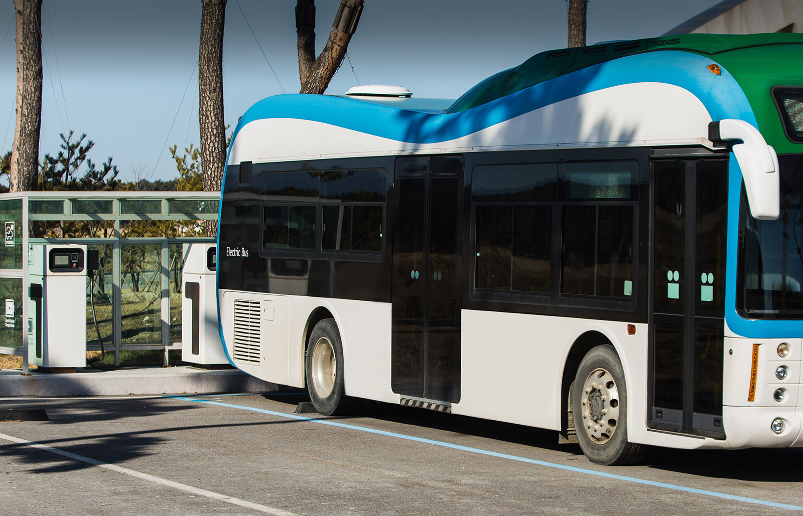 Deploying America's Electrified Bus Fleets